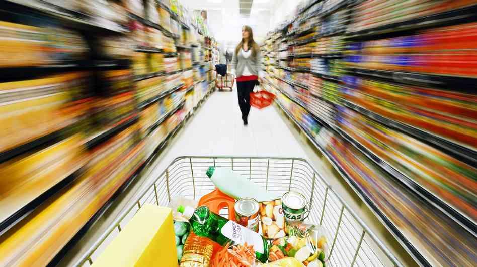 grocerygirl_wide-0acc5356c16636f6aa0c42016632ee61d4b11765-s6-c30